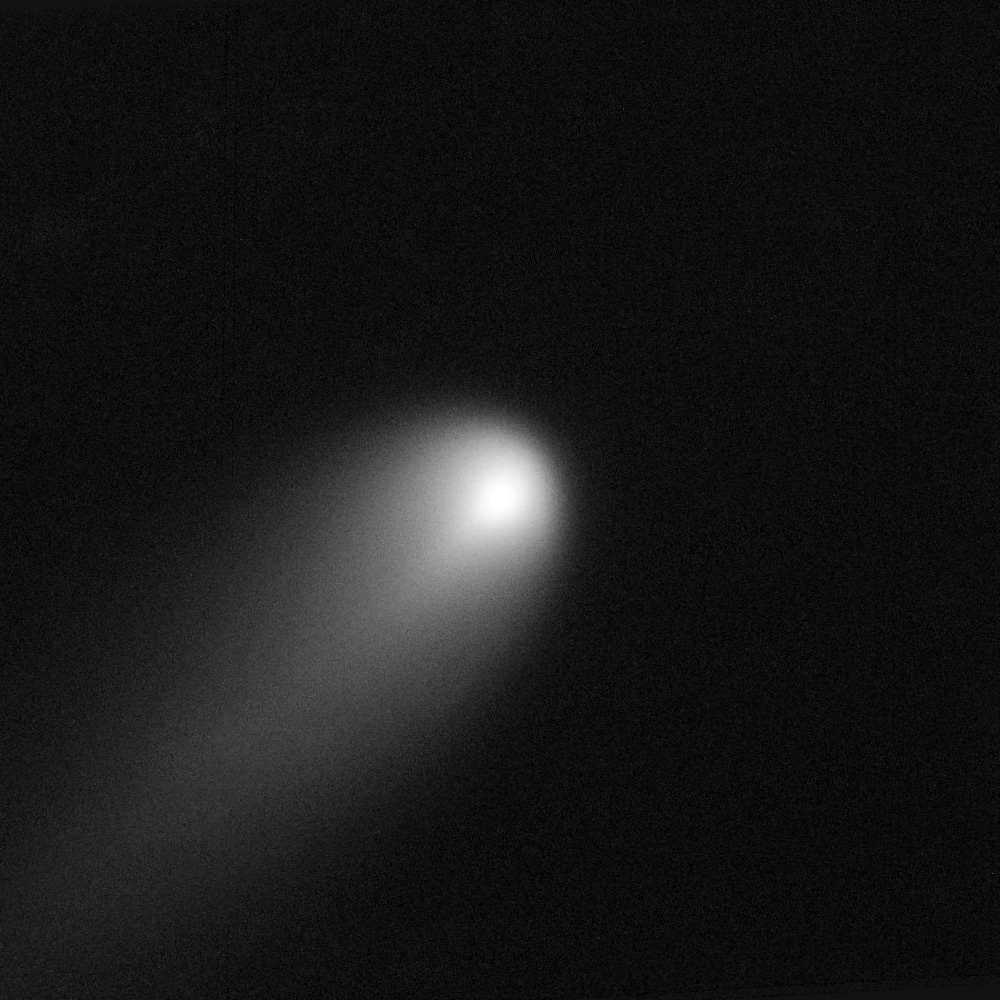 ISON_Comet_captured_by_HST,_April_10-11,_2013.jpg